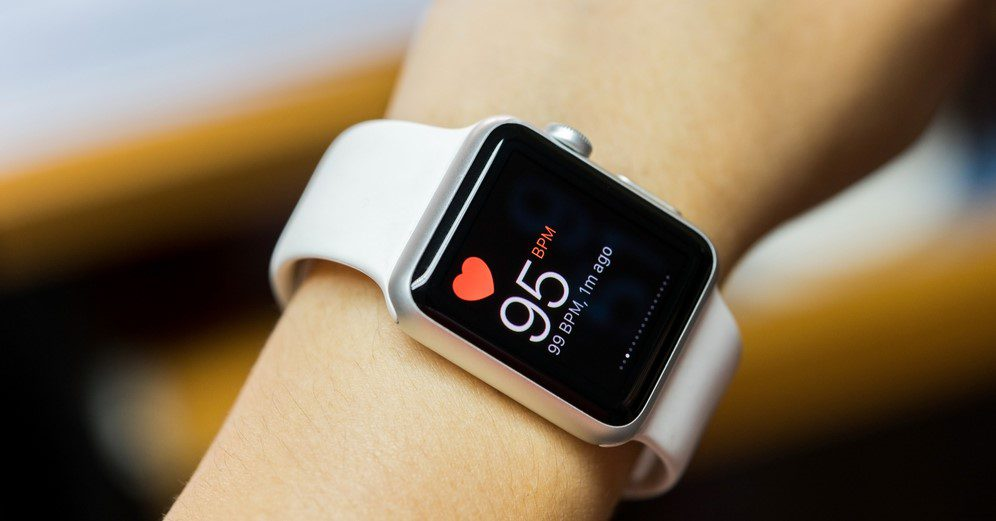 How wearable devices in healthcare support practitioners and patients